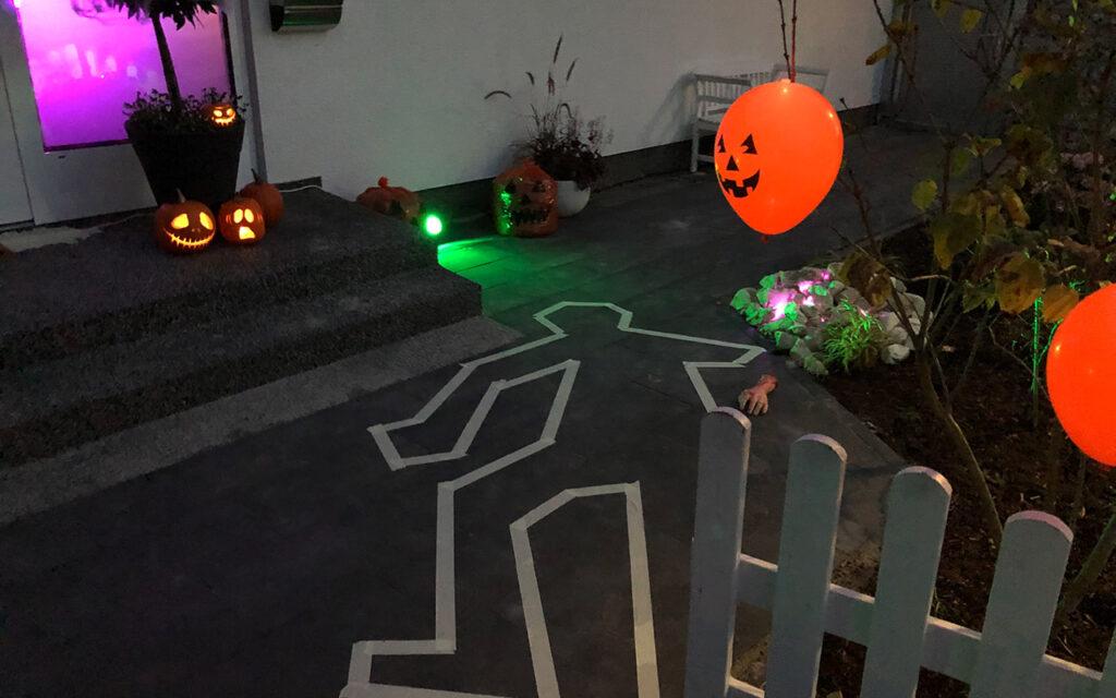 Halloween Deko Leiche